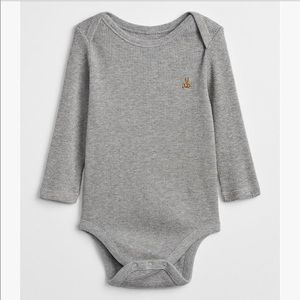 5/$25 GAP Gray Waffle Knit Bodysuit